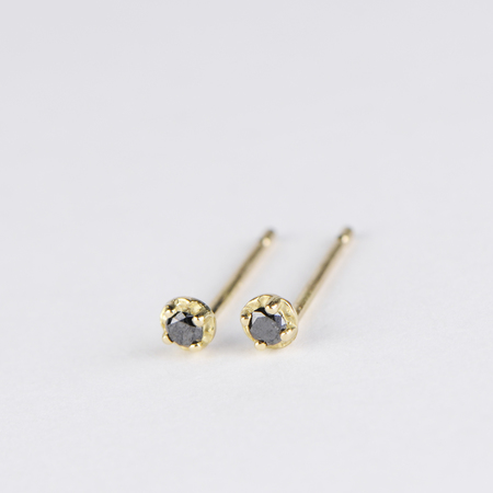 SATOMI KAWAKITA Polaris Black Diamond Stud Earrings in 18K Yellow Gold
