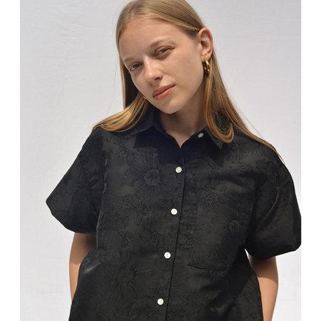 Nikki Chasin Corso Cropped Buttondown - Black Floral