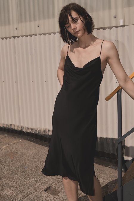 GINIA RTW LILLIAN SATIN SLIP DRESS BLACK