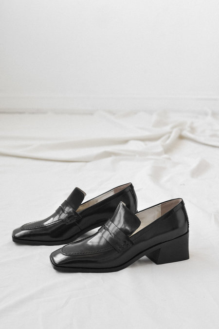 Suzanne Rae Loafer in Black Spazzolato Leather