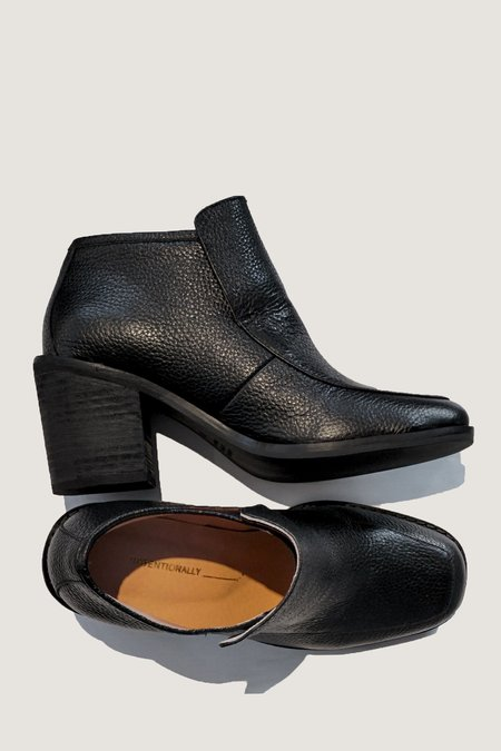 Intentionally Blank Henry Boot - Black Leather