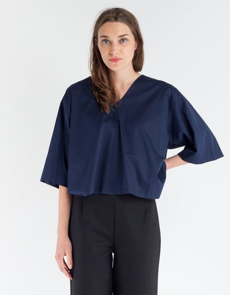 Sunja Link V-Neck Top - Navy