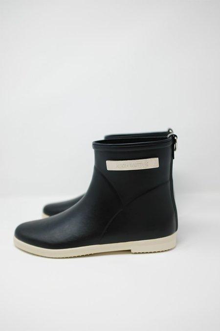Alice + Whittles Rain Boot in Black & White