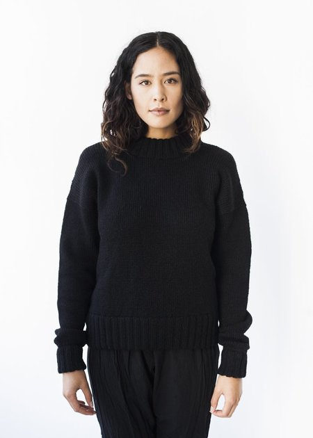 Bare Knitwear Vintage Crew in Black