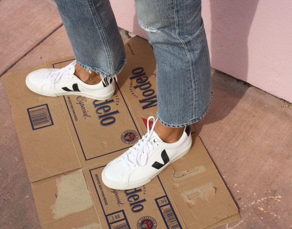48f9e5129c Veja Esplar Leather White Black Sneakers