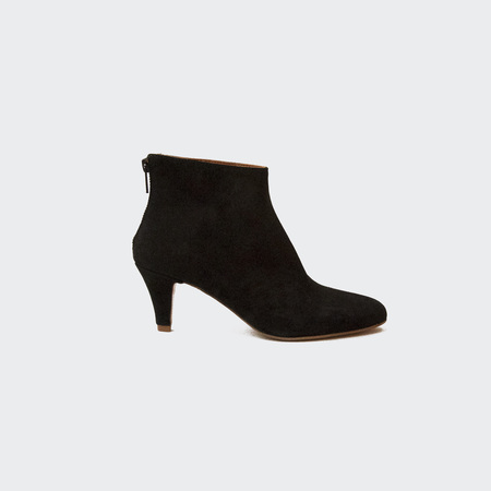 Woman by Common Projects Zipper Boot in Suede - Black
