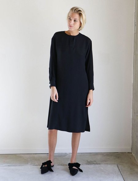 House Dress Belvoir Side Slit Tunic Dress in Black
