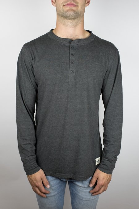 Craft of Lyfe The Ignition Long Sleeve Henley in Heather Grey