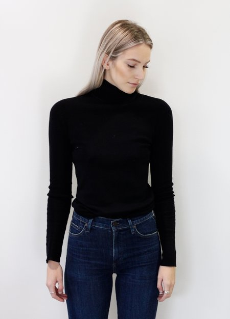 Line Long Sleeve Turtleneck Knit