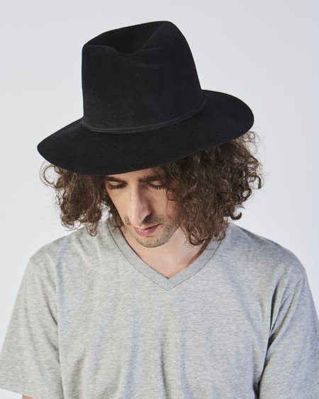 Clyde Pinch Hat in Black Angora