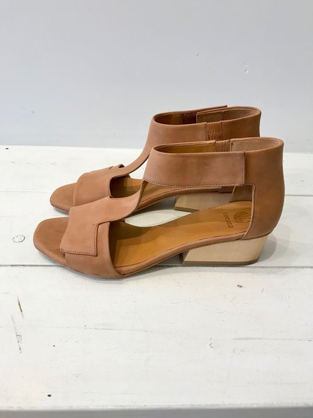 Coclico Ollie Sandals in Kent Sahara