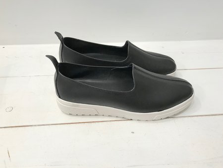Vayarta Black Platform Sneaker
