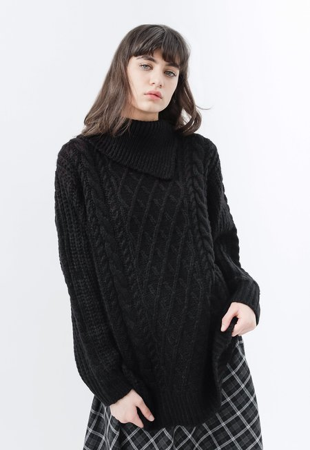 Among Pola Knit - Black