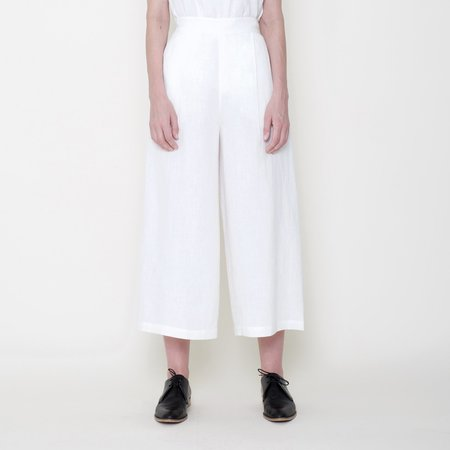 7115 by Szeki Signature Linen Cropped Wide Legged Trouser - Off-White