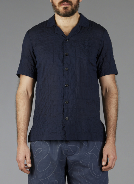 Grei Short Sleeve Panel Aloha Shirt In Midnight Line Crinkle