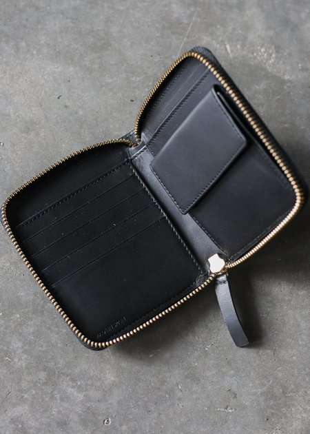 The Stowe Square Wallet in Black