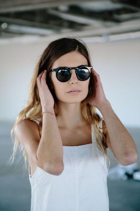Carla Color Lind Sunglasses - Black