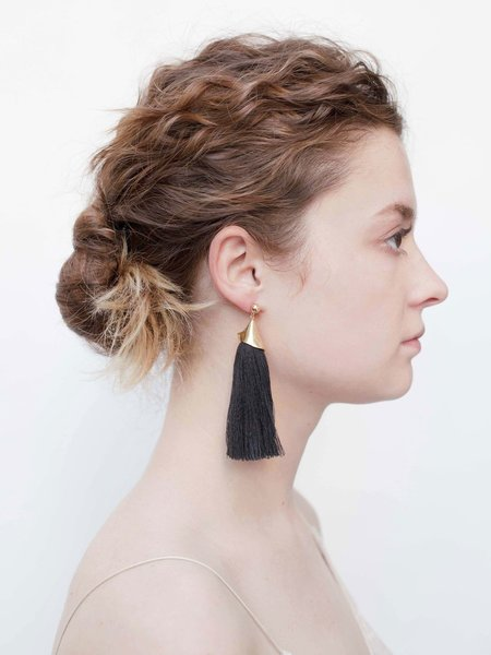 SASAI LONG FLOWER EARRINGS - BLACK